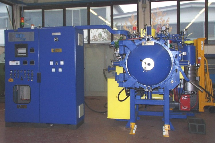 TAV VACUUM FURNACES TAV TH 100 (1,5 bar) | Forni a vuoto usati